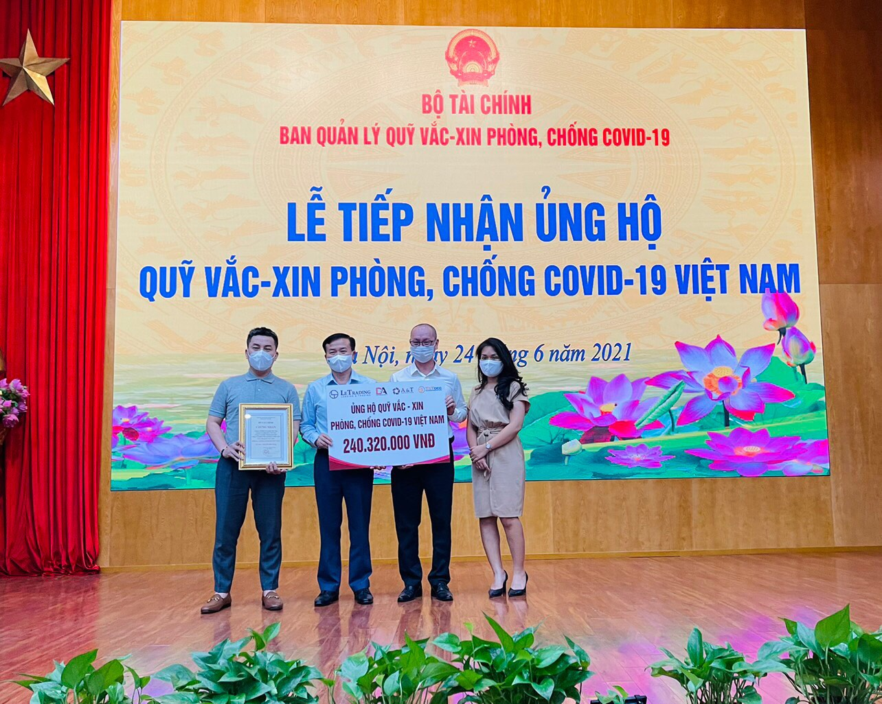 A&T joints with Letrading, D&A and T&T OCG donated over 240 Million VNĐ to support the country in the fight against Covid-19.
